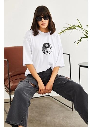 Sortee Kadın Find Balance Baskılı Düşük Kol Oversize T-Shirt Beyaz